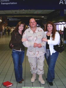 Billy, Mindy, Cyndi in Terminal